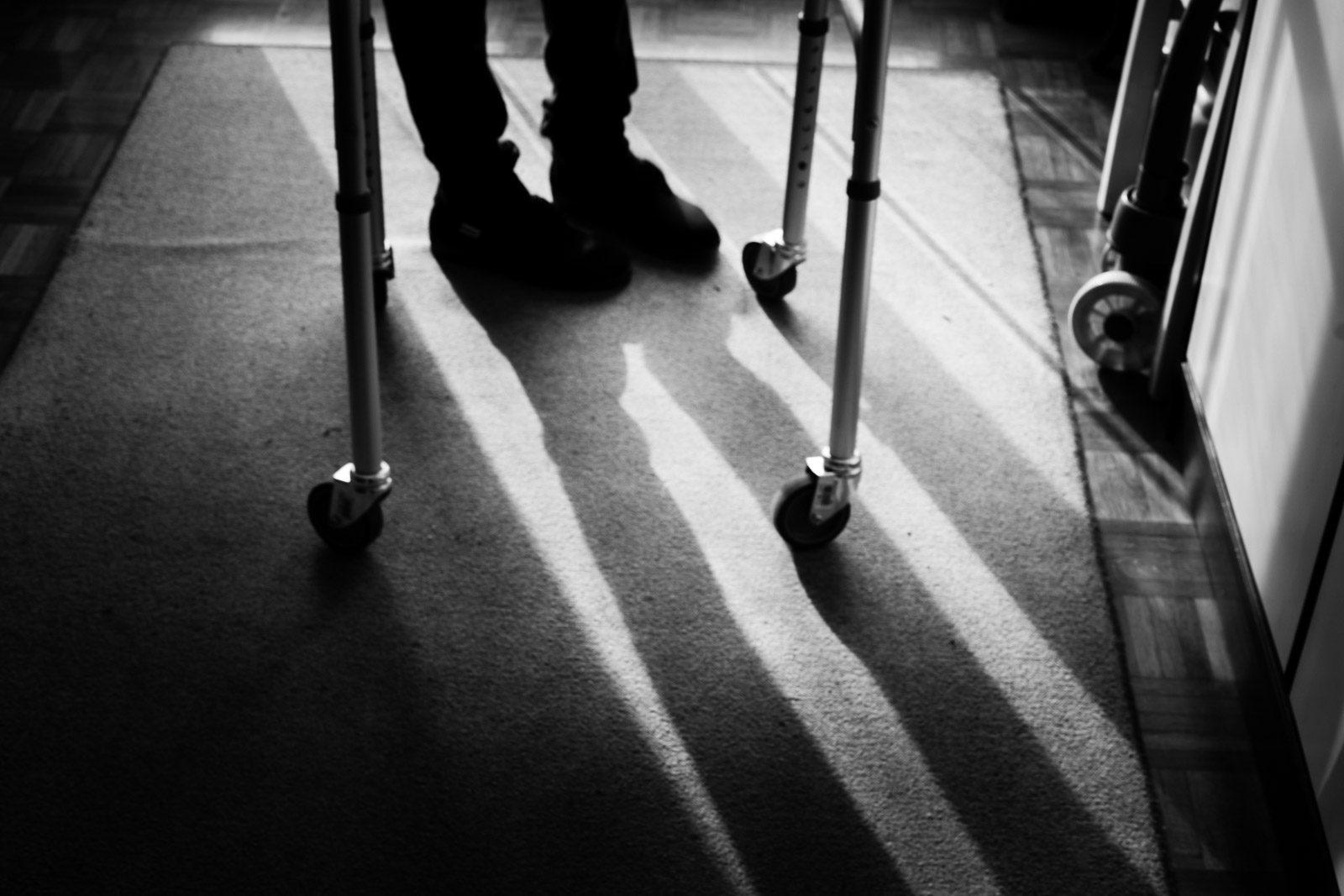 Dettaglio su sedia a rotelle. Max Allegritti, Fotografo Professionista di matrimonio a Milano e Monza