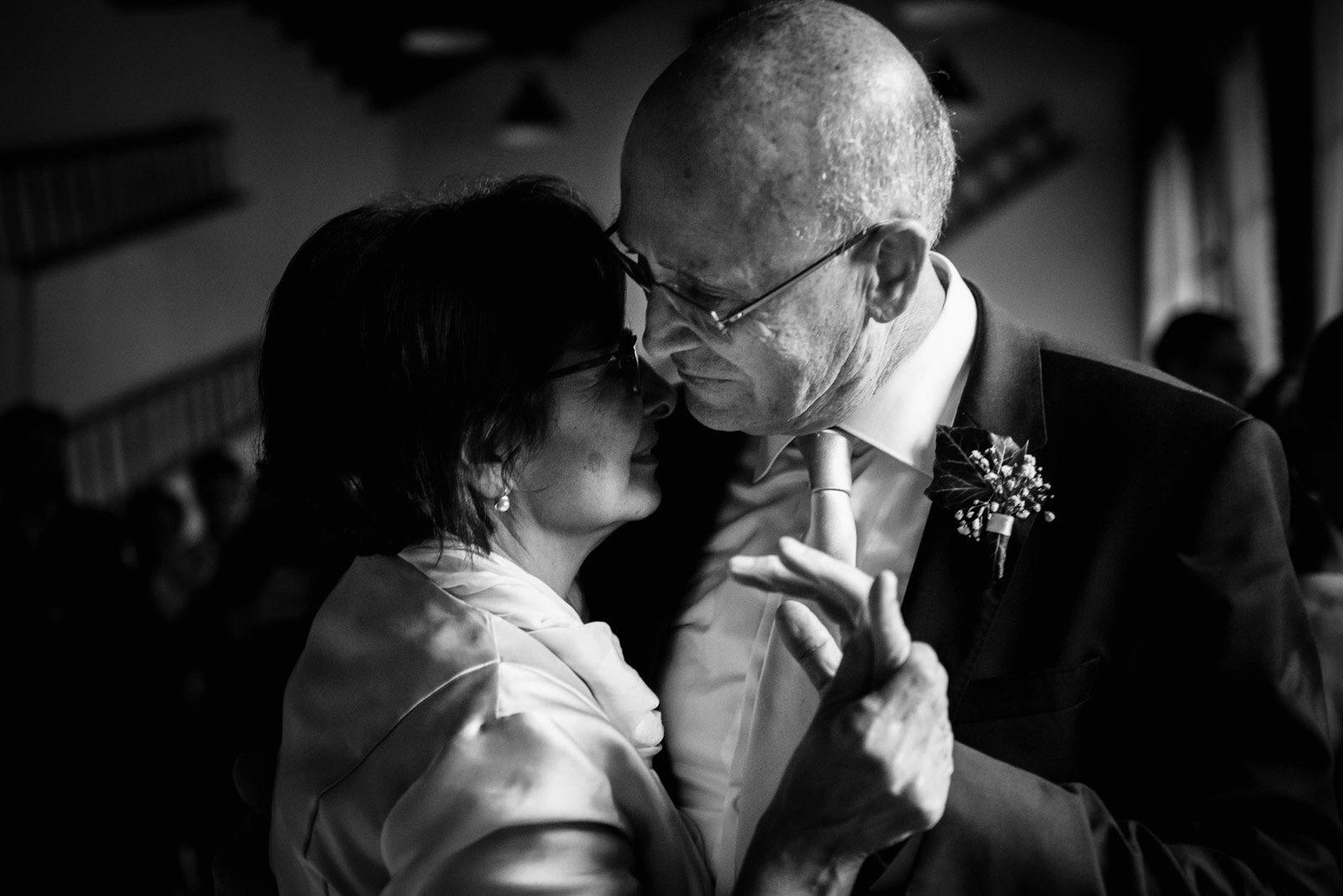 I genitori della sposa. Max Allegritti, Fotografo Professionista di matrimonio a Milano e Monza chiara-e-macs-0007