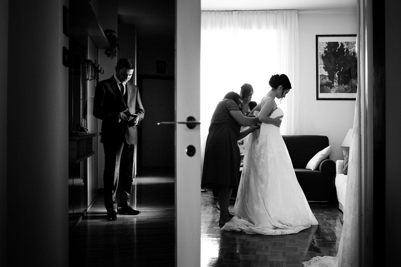 Padre della sposa in attesa. Max Allegritti, Fotografo Professionista di matrimonio a Milano e Monza