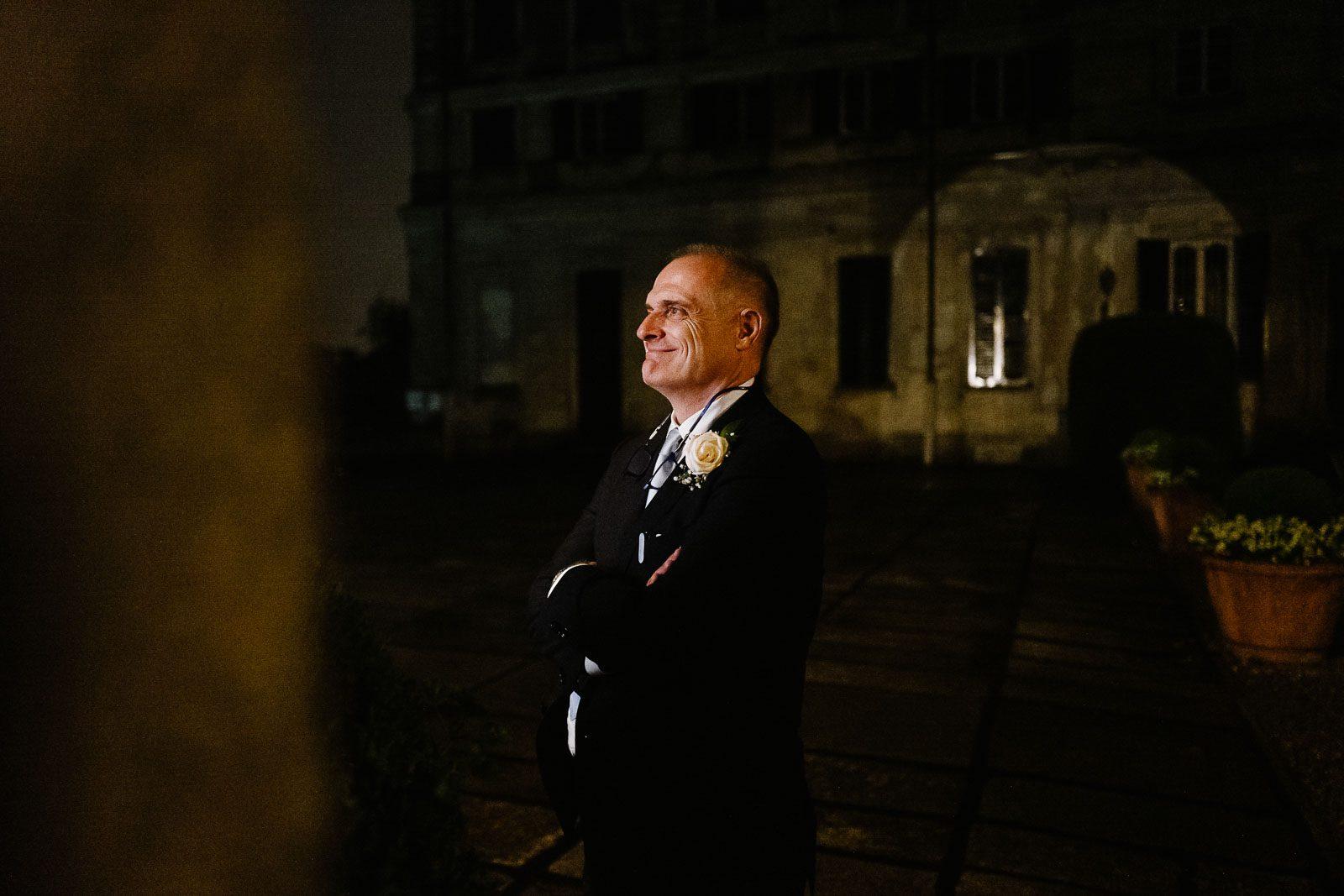 Il padre della sposa in primo piano. Max Allegritti, Fotografo Professionista di matrimonio a Milano e Monza